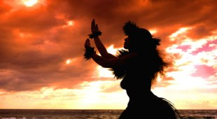 690x380-Hawaii-Sunset-with-Hula-Dancer