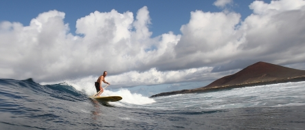 Stand up Paddle Steph Etienne Photo: Mario Entero
