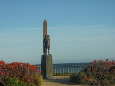 santa_cruz_surfer_statue